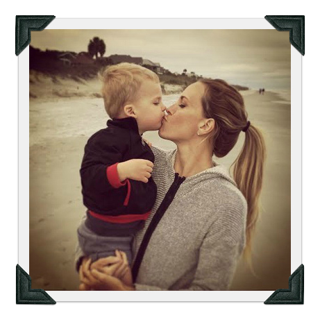 HH_KissingMommy
